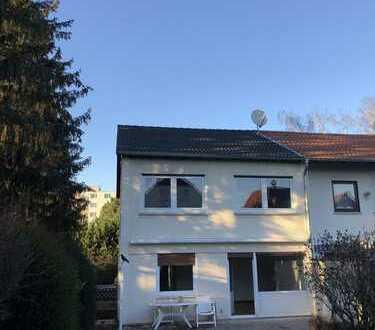 Frisch saniertes Reihenendhaus in der Mainzer-Oberstadt
