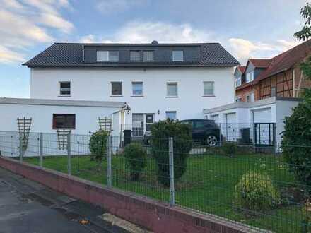 Erstbezug nach Sanierung: günstige 2,5-Zimmer-DG-Wohnung zur Miete in Borken (Hessen)