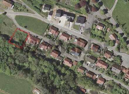 Ohne große Komplikationen bauen: Ca. 1.000 m² voll erschlossenes Grundstück mit Baugenehmigung