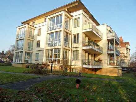 Vermietete 3-Zimmerwohnung mit Wintergarten und Süd-Terrasse am Glienicker Horn, Seeblick inklusive