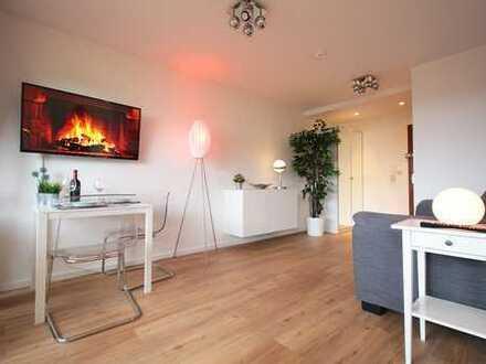 Exklusive, modernisierte 1-Zimmer-Wohnung mit Balkon und Einbauküche in Fürstenfeldbruck (Kreis)