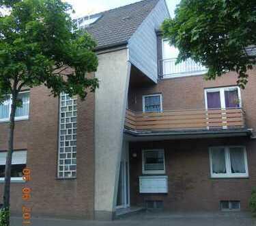 Kleine, gutgeschnittene 3-Zimmer-Wohnung mit 16 m² großer Terrasse und eigenem Garten