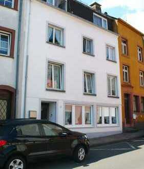 Vianden + 17 km – Einfamilienhaus im Ortskern mit viel Raum
