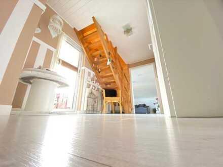 Über den Dächern von Waghäusel – individuelle Maisonette-Wohnung incl.Einbauküche mit 5 Zi. & Loggia