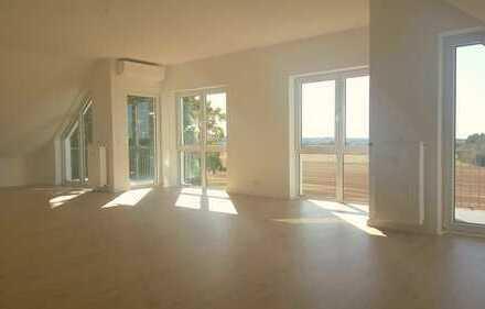 Helle Traum 4ZI -Penthouse-Wohnung mit Klimaanlage Balkon und Einbauküche toller Ausblick