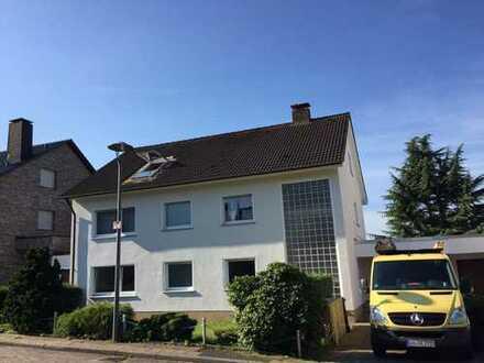 Exklusive 2-Zimmer-DG-Wohnung mit Balkon in Bochums bester Lage