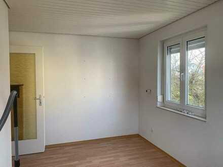 Gemütliches und helles Zimmer in 3er Mädels WG in Reutlingen Nord