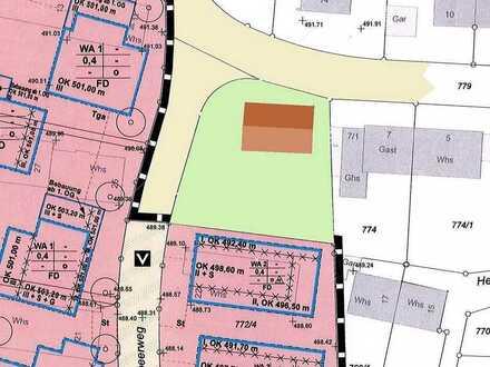 Am Türmle: großes Grundstück mit Zweifamilienhaus zu verkaufen.
