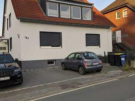 Vollständig renovierte 3,5-Raum-Dachgeschosswohnung mit Balkon in Holzwickede