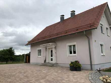 Vollständig renoviertes 5-Zimmer-Einfamilienhaus mit EBK in Wiesent, Wiesent