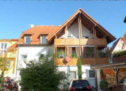 2,5-Zimmer-DG Wohnung mit großem Süd-Balkon