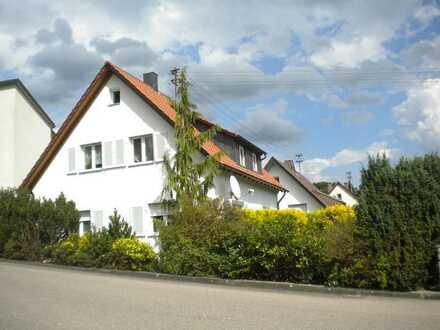 Erstbezug nach Sanierung: Helle 3-Zimmer-Wohnung mit Terrasse in Gschwend