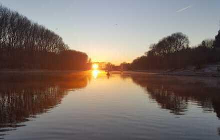 100 qm Sport/Hausboot mit festem Liegeplatz auf dem Rhein bei Bonn