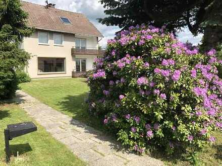 Sehr schönes Haus mit 7 Zimmern, 3 Garagen, großer Garten in Baunatal, Kreis Kassel