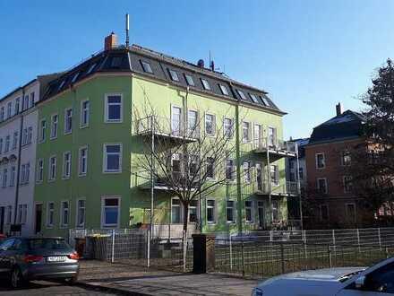 ++ Geräumige Altbauwohnung in Blasewitz ++