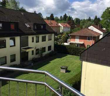 Lichtdurchflutete 4-Zimmer-Galerie-Wohnung mit Balkon!