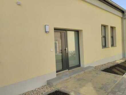 Erstbezug: geräumige 3-Zimmer-EG-Wohnung mit gehobener Innenausstattung in Apolda