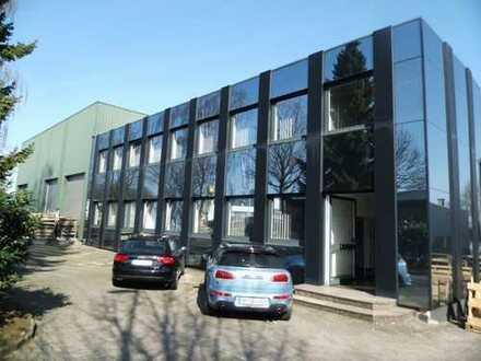 Gewerbehallen mit represantativem Bürogebäude