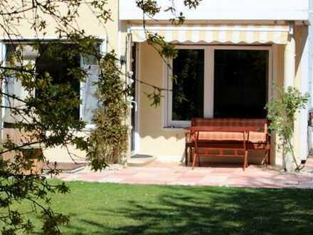 Charmantes Doppelhaus mit idyllischem Garten in absoluter Ruhe