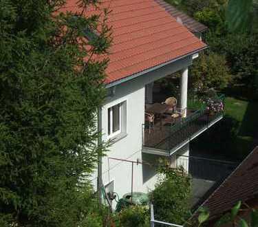 Freistehendes Einfamilienhaus mit großem Garten in Besigheim