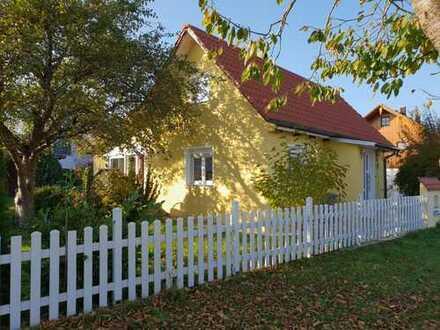 Schönes kleines Haus mit großem Garten in Fürstenfeldbruck (Kreis), Moorenweis
