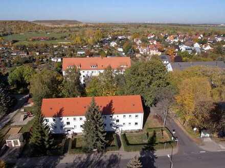 Ruhig gelegene 2-Raum-DG-Wohnung mit Blick ins Grüne