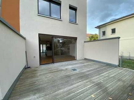 * Haus zur Miete im Stadtzentrum mit Dachterrasse und Garten *