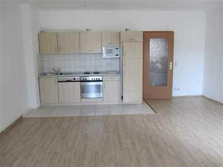 Wohnen im Zentrum mit Balkon und Einbauküche
