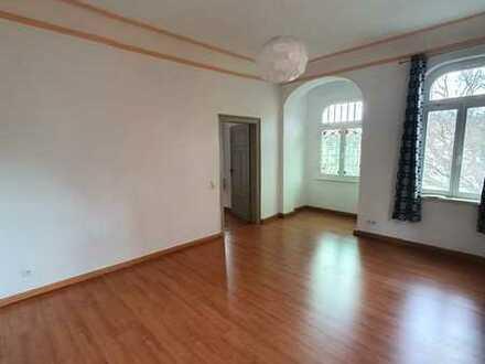Günstige, vollständig renovierte 3-Zimmer-Wohnung mit EBK in Sonneberg