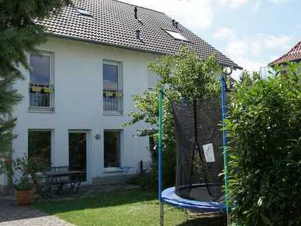 DHH in Alsbach, ideal für Familien / Semi-detached family house