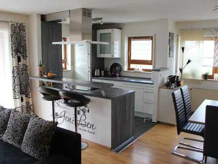 Exklusive, neuwertige 3-Zimmer-Hochparterre-Wohnung mit Balkon und EBK in Neuhütten