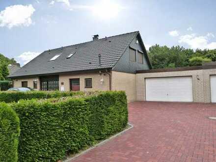 Großzügige Immobilie mit wundervollem Garten  *Wohnrecht*