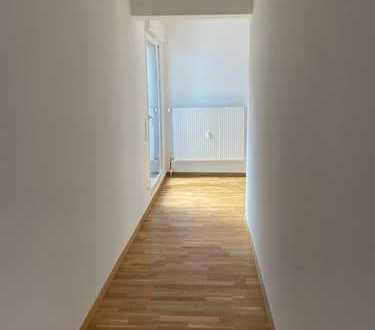 Schöne 3-Zimmer-Wohnung mit 2 Balkonen und Einbauküche
