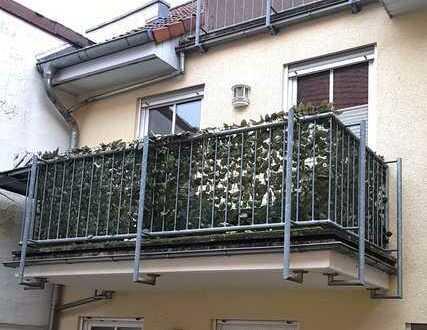 Gepflegte 2-Zimmer-Wohnung mit Balkon und Einbauküche in Partenheim
