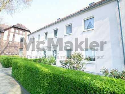 Viele Nutzungsmöglichkeiten: Saniertes MFH mit 3 Wohneinheiten + großem Garten in Düsseldorf-Benrath