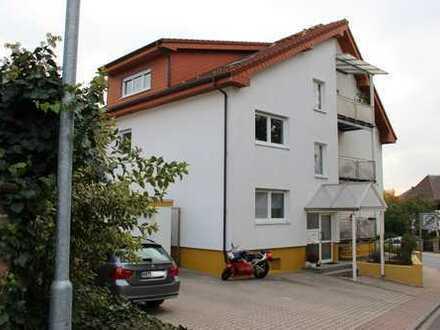 Gepflegte 3-Zimmer-Wohnung mit Balkon, Garage und 2 Stellplätzen in Nußloch
