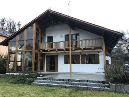 Großes EFH mit Garage und Garten in Deggendorf