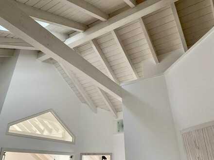 Großzügige und helle Dachgeschosswohnung mit Blick über Eberbach