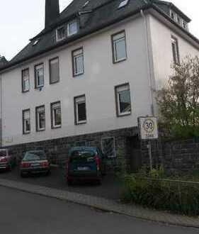 Modernisierte Dachgeschoß-Wohnung!