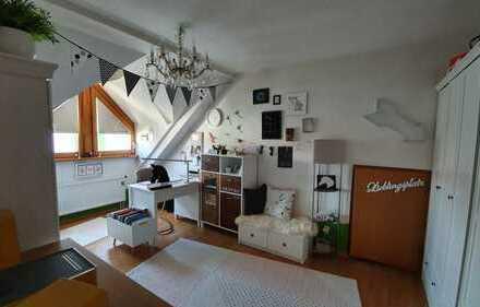 4,5-Zimmer Wohnung mit Balkon