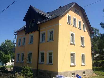 3 Raum Wohnung EG (hochparterre), Terrasse, Kaminanschl., Stellplätze, komplett saniert