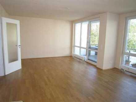Vermietung einer hellen 3 Zimmer Wohnung mit Balkon und Tiefgaragenstellplatz im Seegershof!
