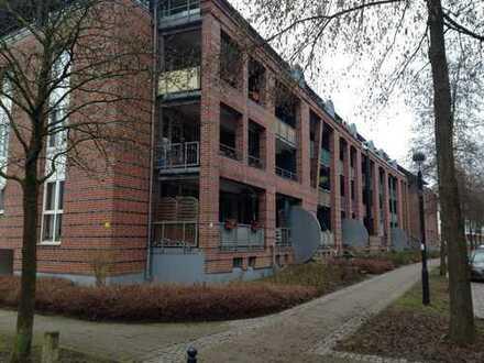 Geräumige und gepflegte teilmöblierte 1-Zimmer-Wohnung mit Balkon und EBK in Bremen