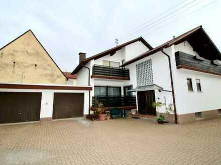 Viel Platz zum Wohnen... geräumiges Einfamilienhaus (Hofbauweise) in Ludwigshafen-Ruchheim