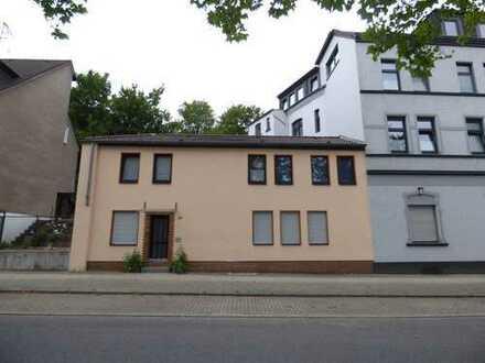 Aufgepasst! 2 Eigentumswohnungen in einem separatem Baukörper/Haus*Ein-Zweifamilienhauscharakter!!
