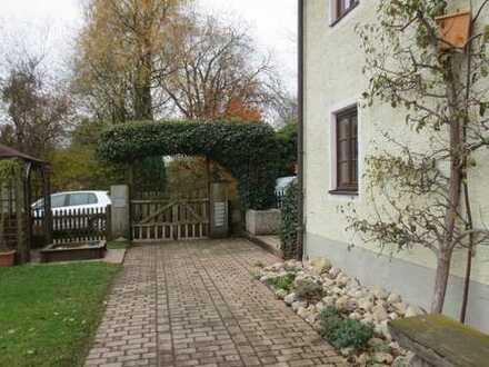 Ruhig gelegene 4-Zimmer-Maisonette-Wohnung mit Balkonterrasse*ländlich im Ortsteil Hemhof