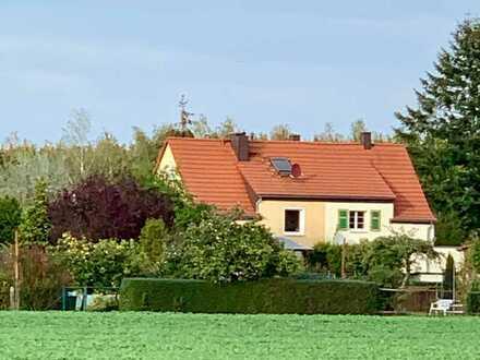 Doppelhaushälfte mit viel Potenzial zur Neugestaltung ohne Maklerprovision