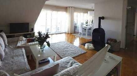 *** Repräsentative 3-Zimmer-Wohnung mit Dachterrasse in guter und zentraler Lage von Köln-Weiden!***