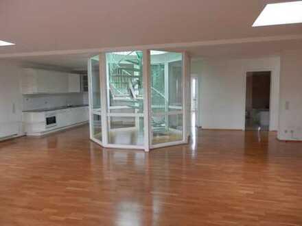 Exklusive Dachgeschosswohnung in bester Lage Leipzig´s am Clara Zetkin Park