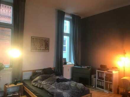 Große, helle Maisonettewohnung sucht zwei WG-Bewohner - zentrale und schönste Straße Frankfurts!
